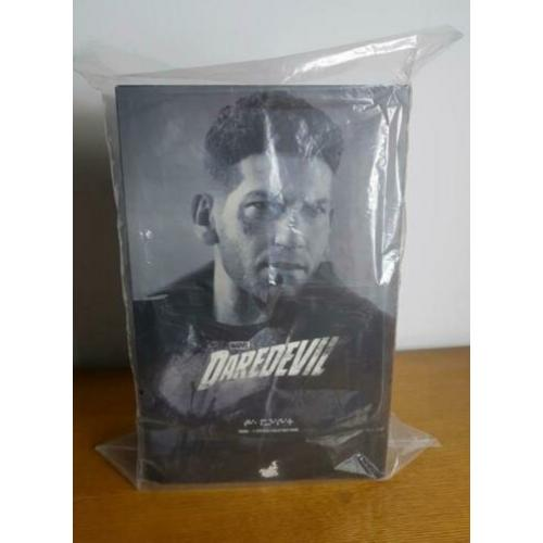 1/6 - HOT TOYS - Daredevil - The Punisher