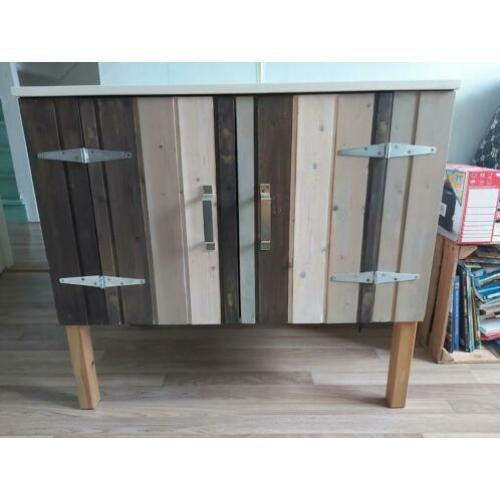 Kast / commode